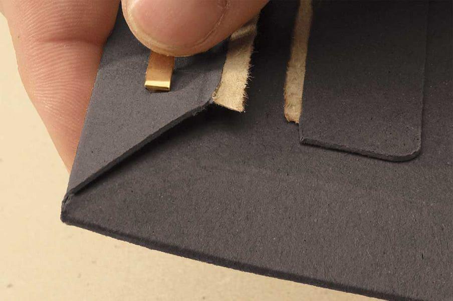 Massief kartonnen enveloppen zwart A4 - 235 x 308 x 0-30mm (100st)